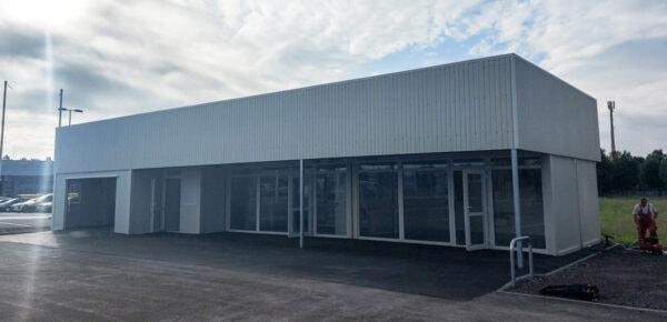 Containeranlage-Autohaus-Showroom-front1